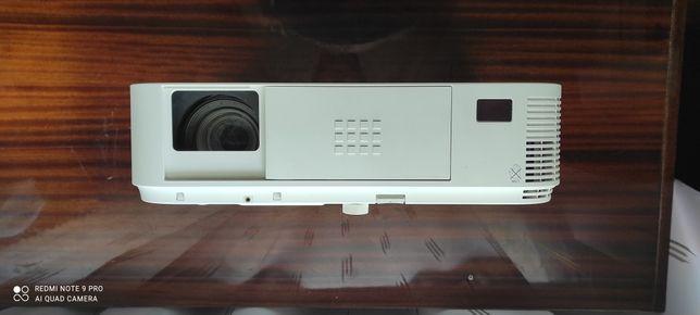 Продам срочно Проектор NEC