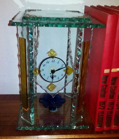 Antigo relógio mesa em vidro murano
