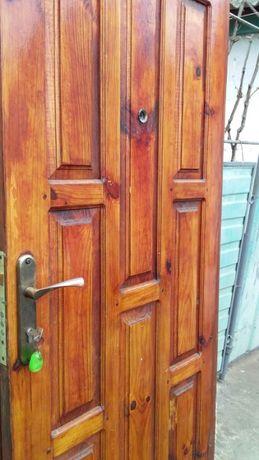 входная дверь в отличном состоянии