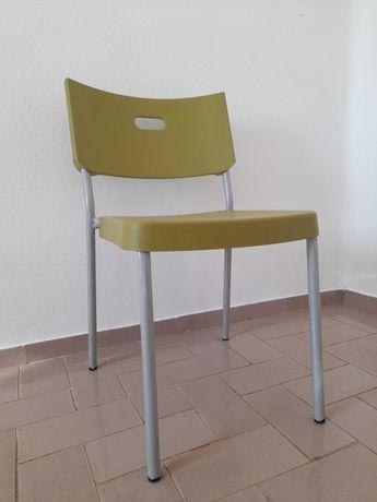 Cadeira para quarto, cozinha ou exterior