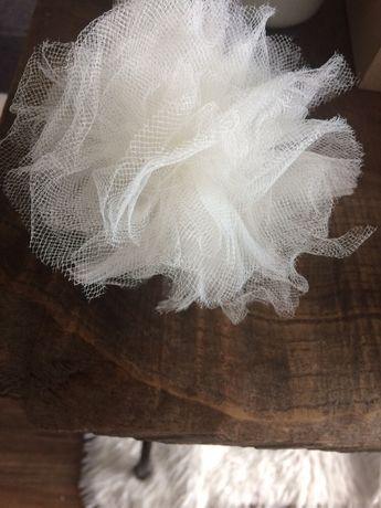 dekoracje weselne girlandy pompony tiul