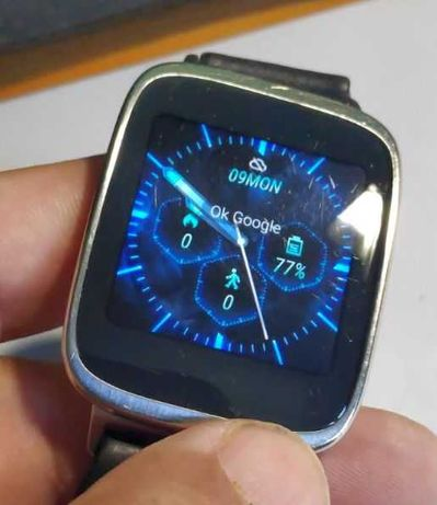 Смарт-часы Asus WI500Q