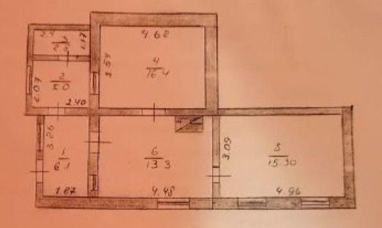 Продам 3-х комн. кв. с автономным отоплением, гаражом во дворе.
