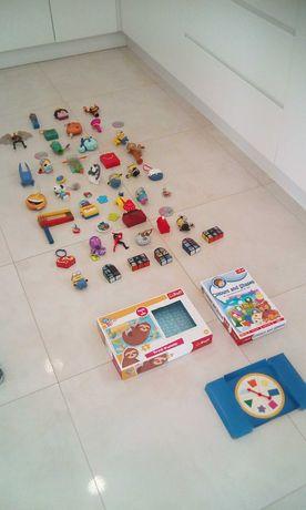 Zestaw zabawek+gra+puzzle trefll
