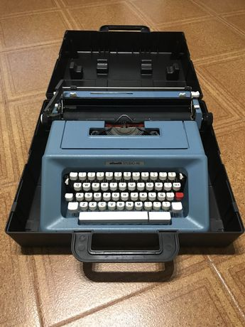 Vendo máquina escrever Olivetti Studio 46