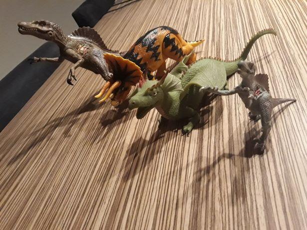 Dinozaury i Smok