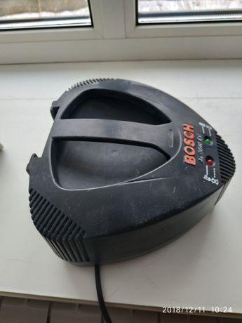 Зарядное Бош 36 вольт 4 ампера + батарея