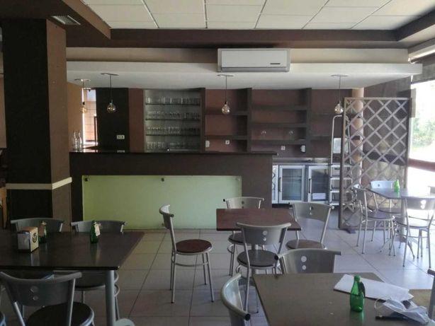 Restaurante completamente mobilado e equipado.