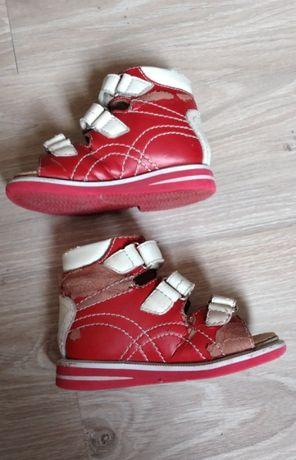 Ортопедическая обувь, сандалии