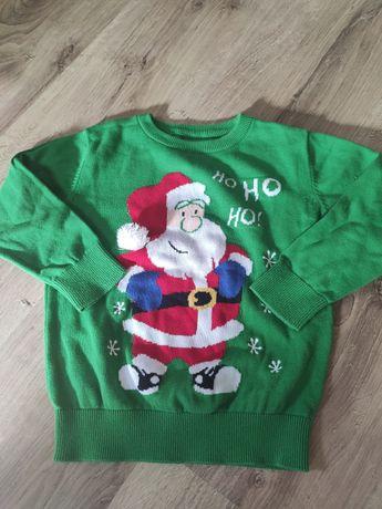 Zielony sweterek z Mikołajem 104