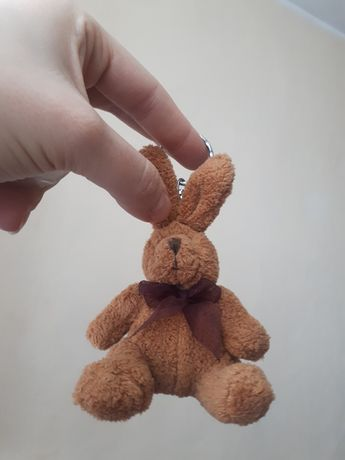 brelok królik z kokardką