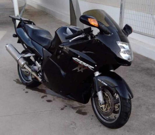 Vendo CBR 1100 XX de 2001