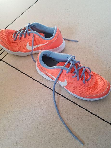 Buty Nike 37.5