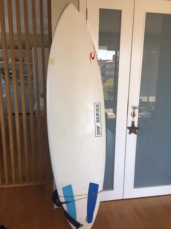 Prancha de surf branca
