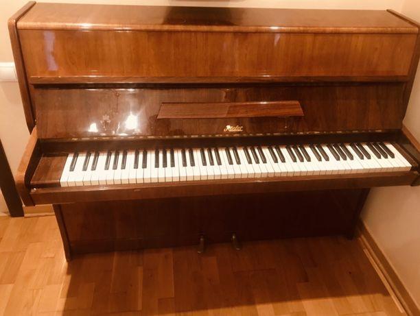 Концертное пианино Rösler (petrof)