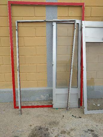 Perfis e Portas em Aluminio 61,5 x 1,97 cada porta Caixilho 130,5 x 2