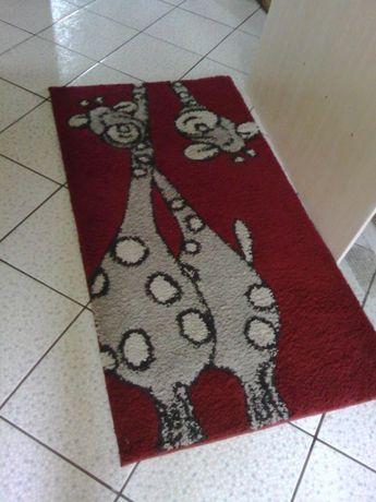 Dywanik bordowo- grafitowy dywan do pokoju dzieciecego