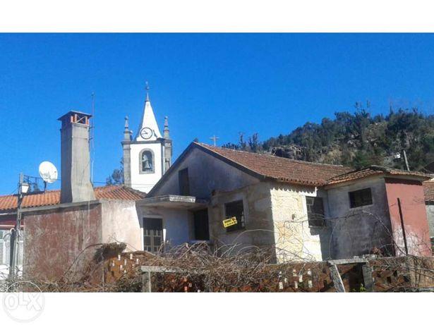 Casa centro aldeia Talhadas para recuperar