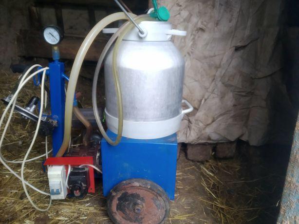 Продам доїльний апарат в робочому стані