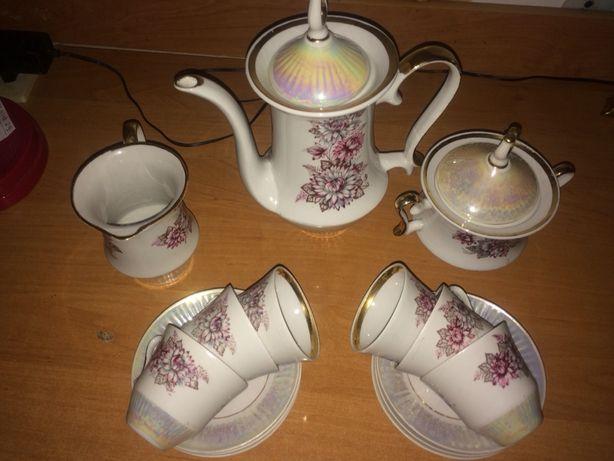 Сервиз кофейный;ваза для конфет;селедочница;для закатывания банок маши