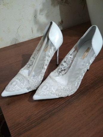 Туфлі-човники (туфли-лодочки) жіночі Basconi 38