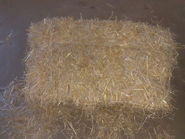 Oddam słomę, kostka pszenna ze stodoły