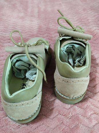 Sapatos carneirinhas com franja