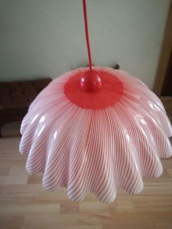 Candeeiro para pendurar no teto de vinil rosa em bom estado