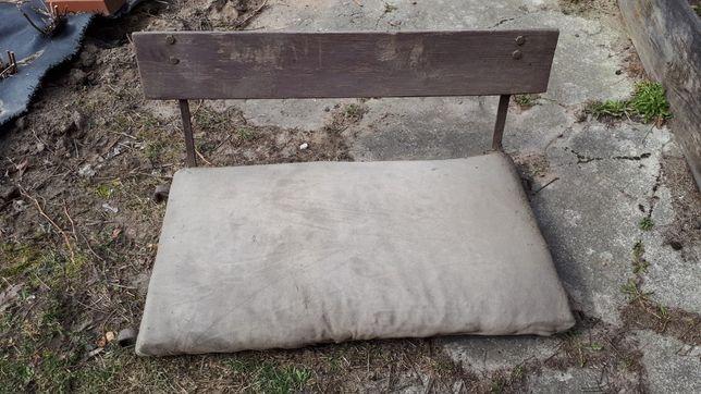 Stare siedzisko do wozu