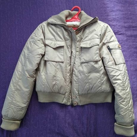 Куртка жіноча ідеальний стан