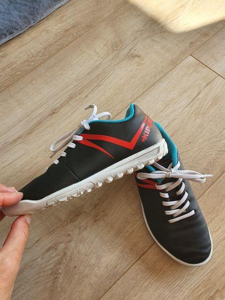 Kipsta buty do piłki nożnej 29