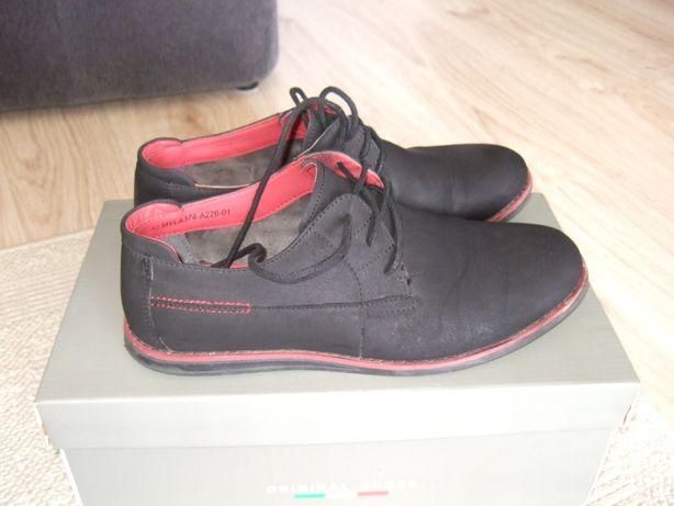 Buty młodzieżowe o roz. 40, czarne. Marki Gino Lanetti