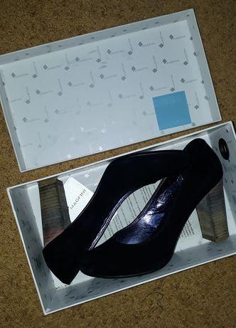 Туфли замш 38,5 -39 размер Италия