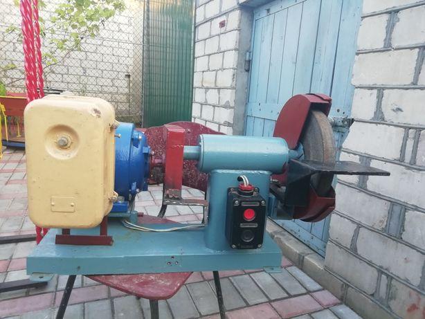 Наждак 220/380 вольт