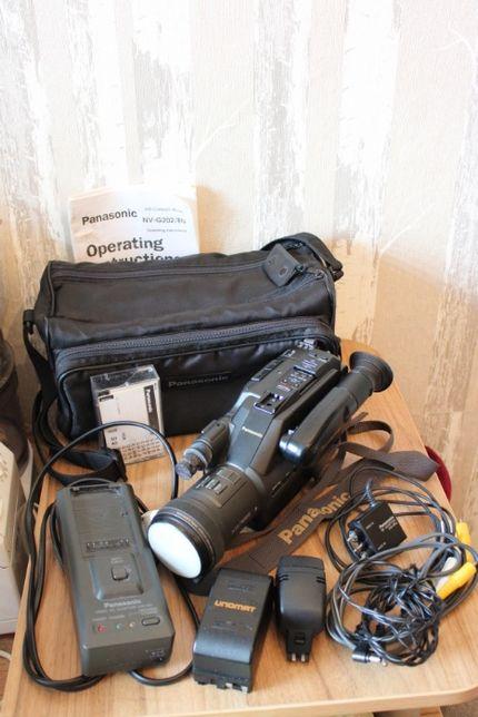 OKAZJA! Kamera Panasonic NV-G202/EN,VHS,2 akumulatory,ładowarka,torba