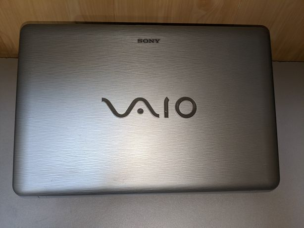 "Ноутбук Sony Vaio 15,6"" Батарея 2 часа !"