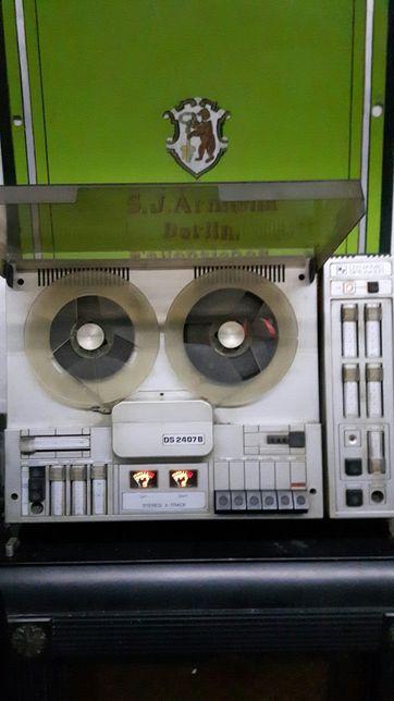 Magnetofon szpulowy DS 2407B UNITRA