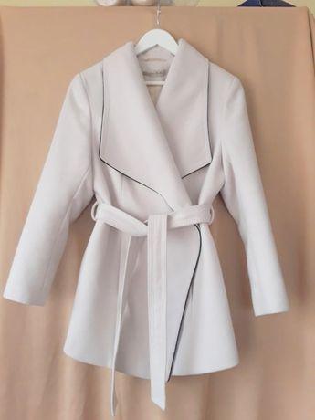 płaszcz złamana biel płaszcz kremowy