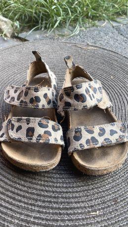 Sandalki dziewczece HM