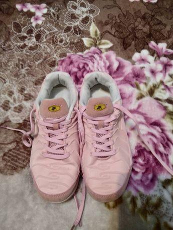 Кроссовки женские 38 размер Розовые тканевые
