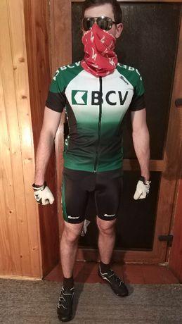 Велоодяг , Тріко Santini .
