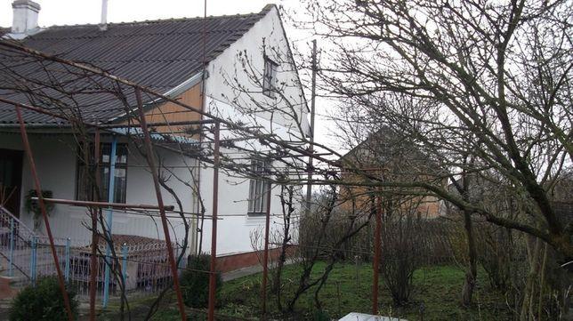 Продам будинок у хорошому стані , велике подвіря , сад , город , дуже