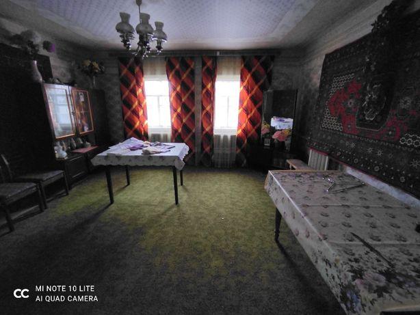 Отдельный домик на участке 10 соток в центре Тарасовки хороший торг