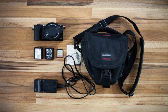 Sony A5000 + Sony 16-50mm + karta SanDisk 64GB + dwie baterie