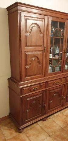 Mobilia de sala de jantar clássica e completa