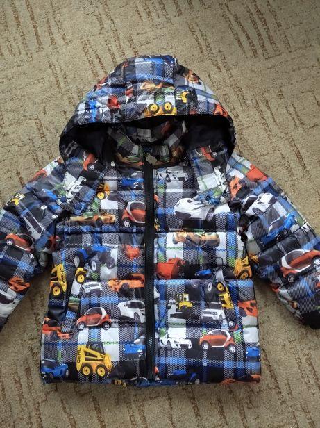 Демисезонная куртка на мальчика ( 116см)