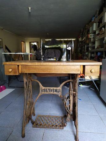 Máquina Costura Singer - Bom estado de conservação