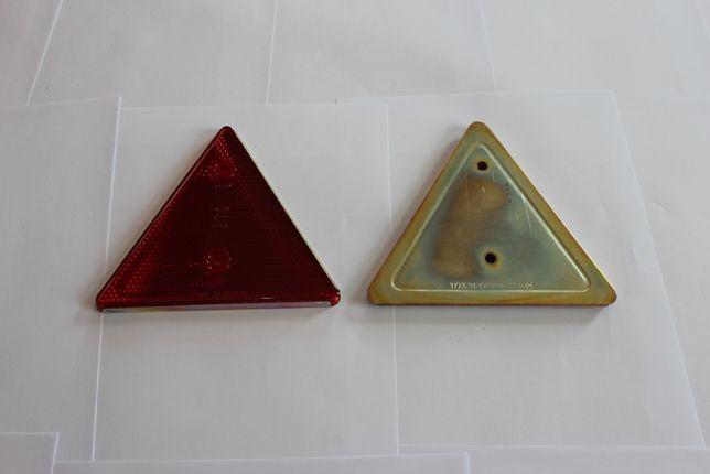 Треугольный красный, метал, отражатель на прицеп ФП 401-01