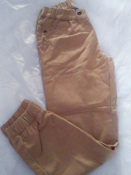 Spodnie chłopięce r.128