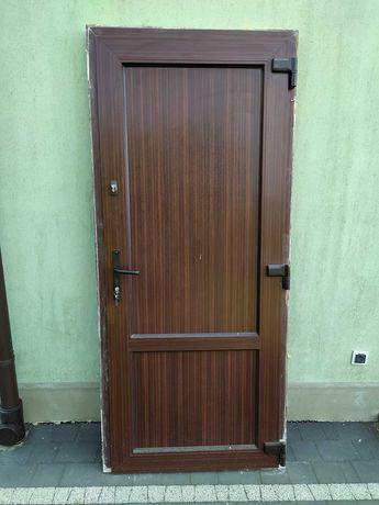 Drzwi wejściowe, PCV, orzech, używane !